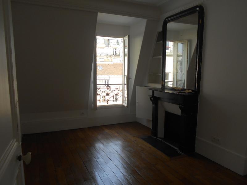 Location appartement Paris 6ème 1111,03€ CC - Photo 3