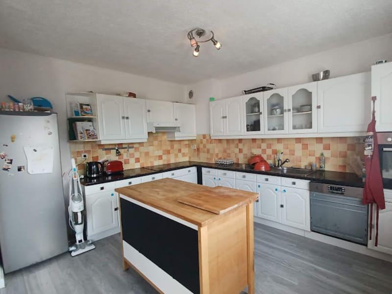 Sale house / villa Carhaix plouguer 157940€ - Picture 2