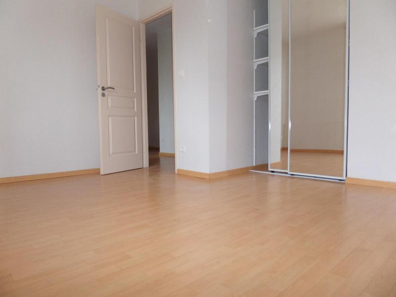 Location maison / villa St julien 930€ CC - Photo 7