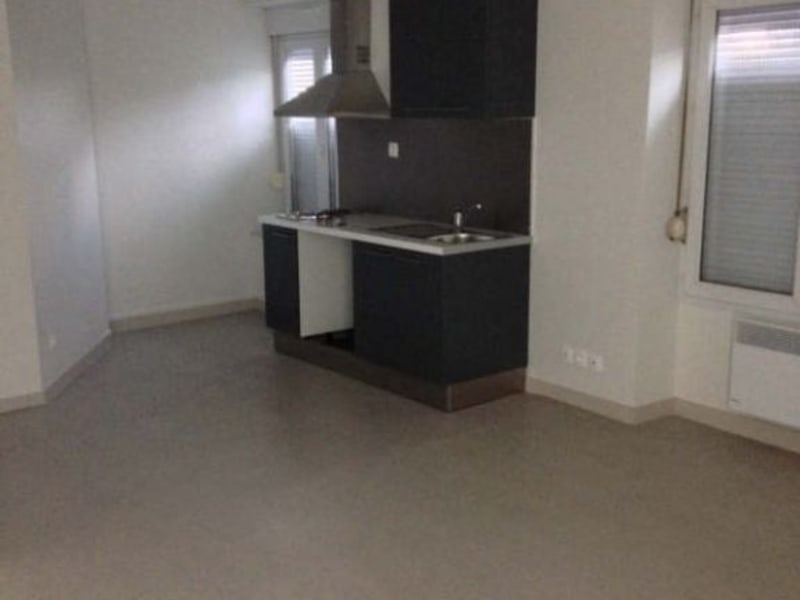 Location appartement Poitiers 509,53€ CC - Photo 1