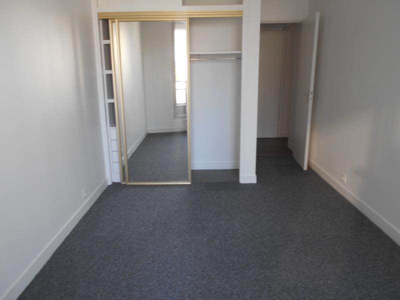 Location appartement Puteaux 1360€ CC - Photo 3