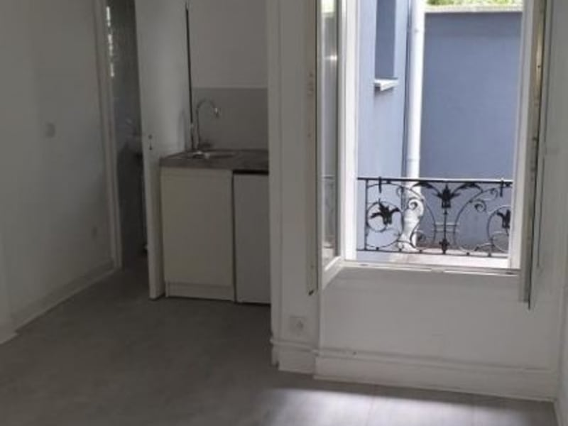 Location appartement Colombes 628,41€ CC - Photo 2