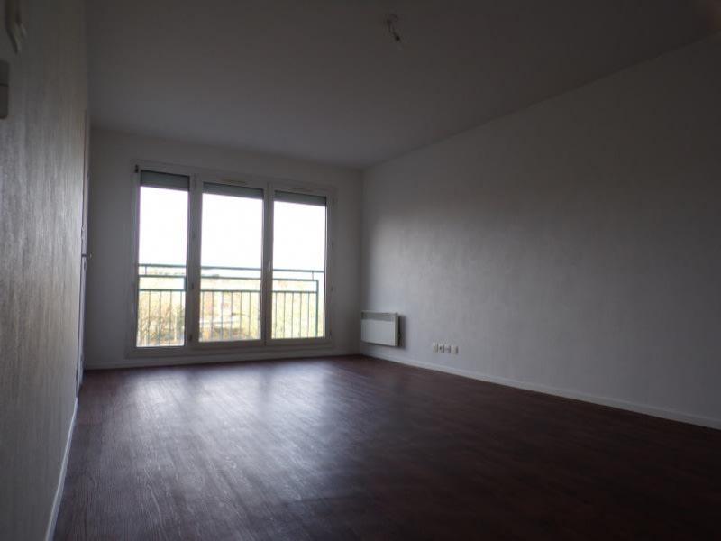 Rental apartment Elancourt 680€ CC - Picture 3
