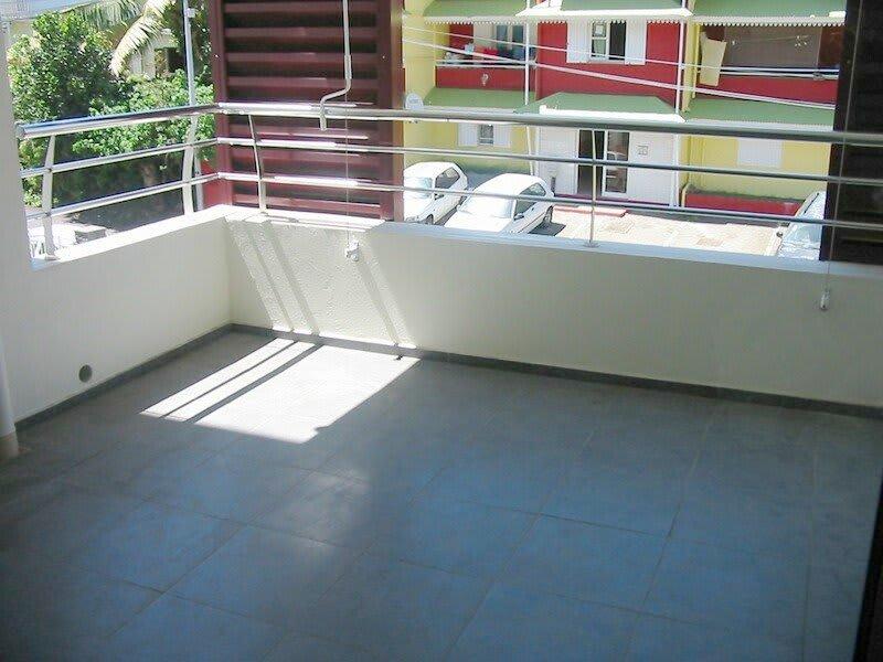 Location appartement Ste clotilde 593€ CC - Photo 5