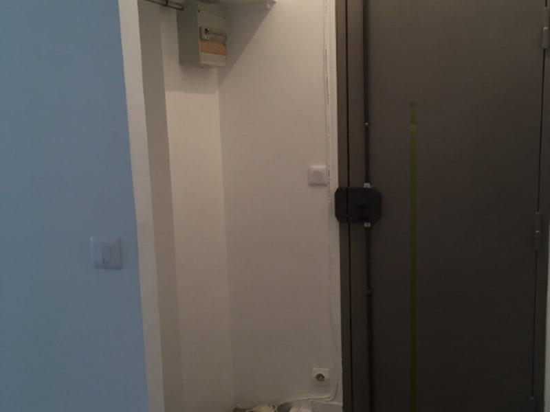 Rental apartment Paris 840€ CC - Picture 5
