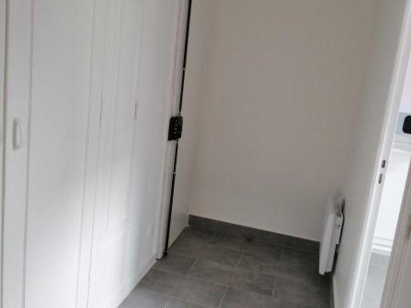 Location appartement Paris 20ème 1057€ CC - Photo 5