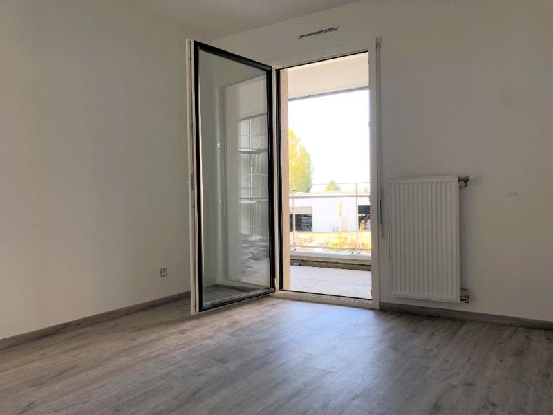 Rental apartment Bourgoin jallieu 970€ CC - Picture 3
