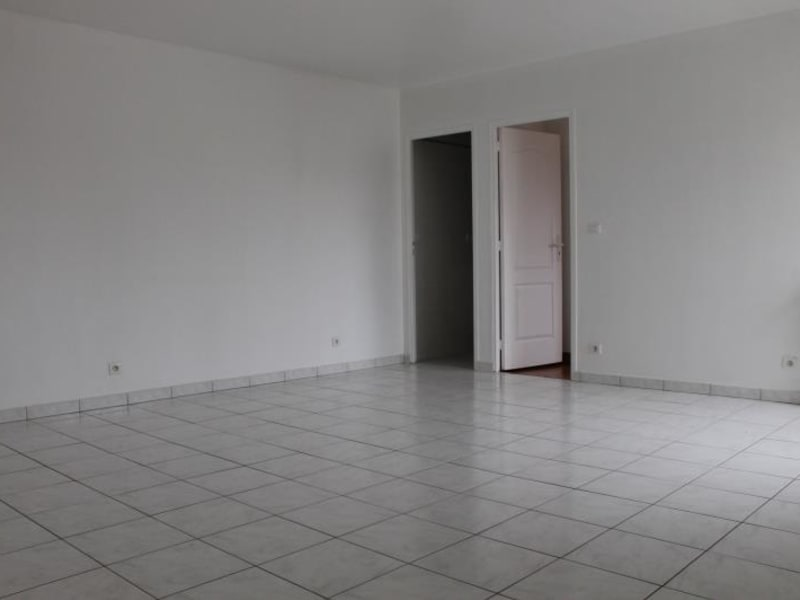Location appartement Osny 950€ CC - Photo 2