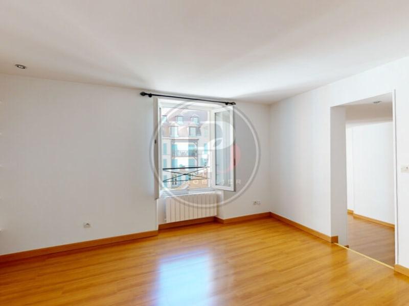 Rental apartment Saint germain en laye 1095€ CC - Picture 1
