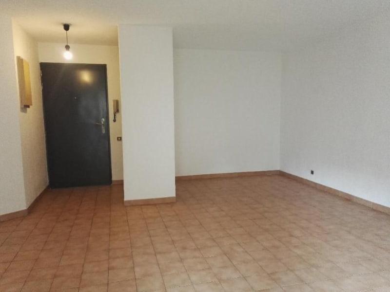Location appartement Le tholonet 913€ CC - Photo 3