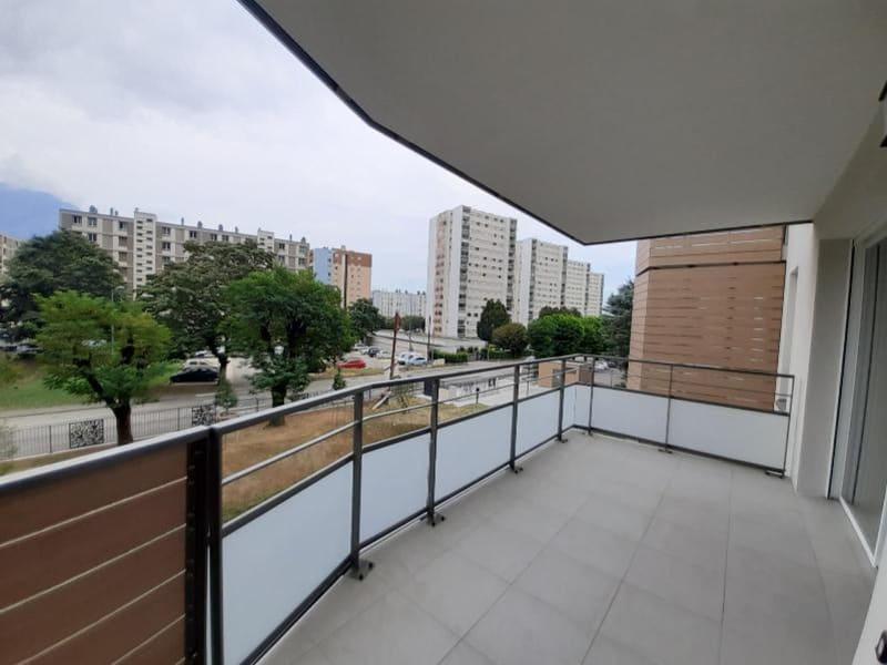 Location appartement Sassenage 781€ CC - Photo 3