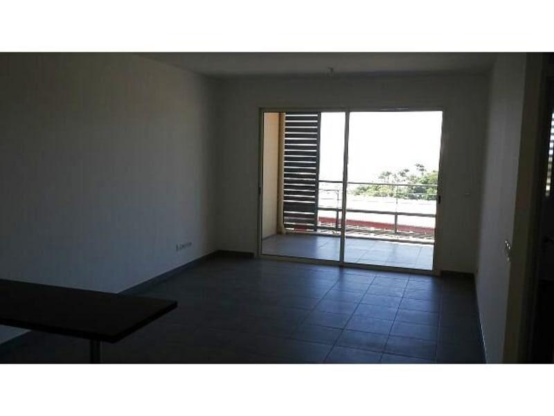 Location appartement St denis 617€ CC - Photo 2