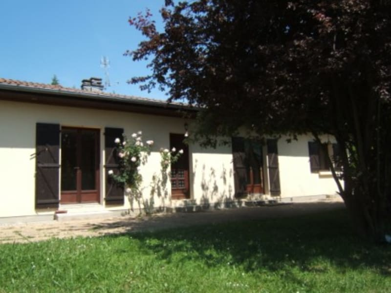 Location maison / villa Herbeys 1473€ CC - Photo 1