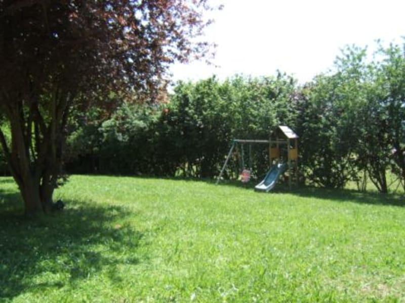 Location maison / villa Herbeys 1473€ CC - Photo 3