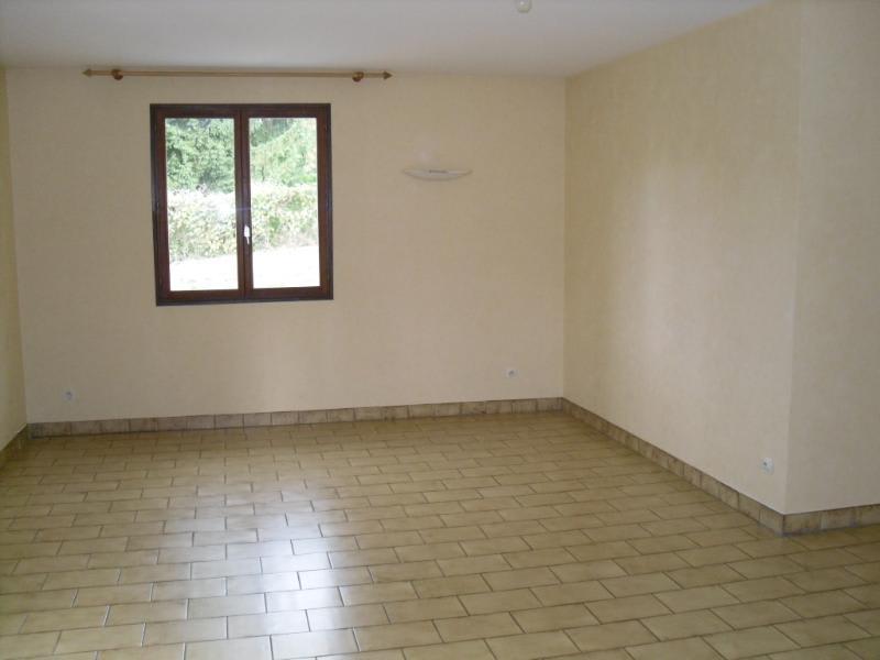 Location maison / villa Herbeys 1473€ CC - Photo 4