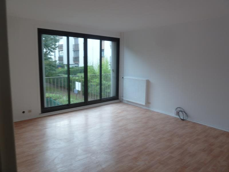 Rental apartment Andresy 920,09€ CC - Picture 3