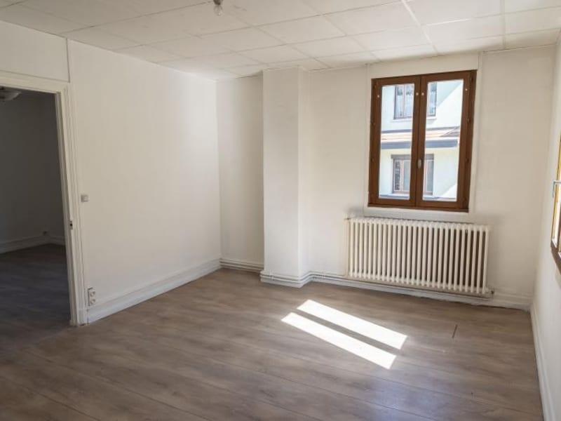 Location appartement Nantua 522€ CC - Photo 2