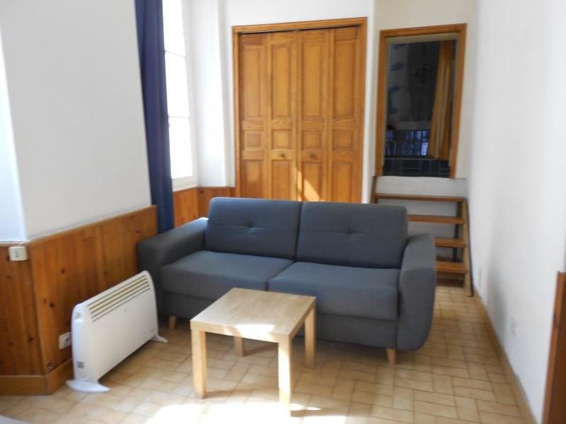 Rental apartment Provins 330€ CC - Picture 1