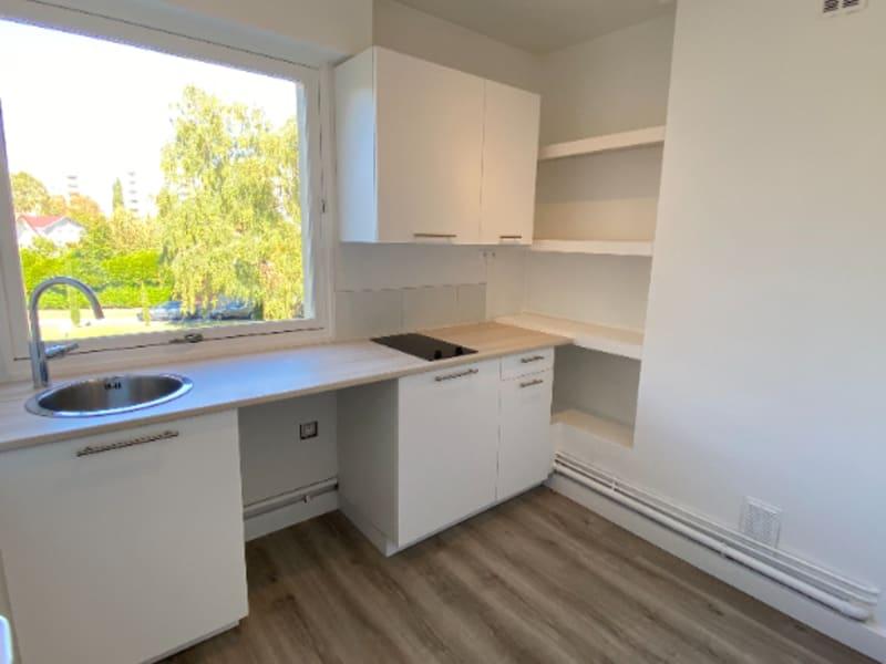 Rental apartment Le plessis bouchard 760€ CC - Picture 9