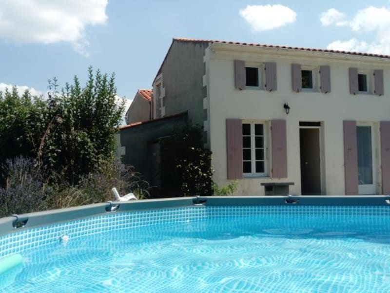 Deluxe sale house / villa Cabariot 367500€ - Picture 1