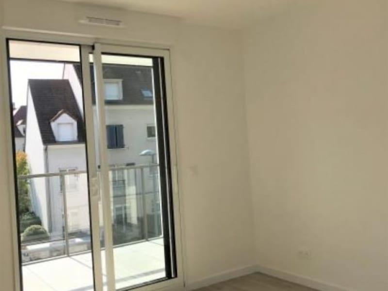 Rental apartment Montigny-le-bx 953€ CC - Picture 3