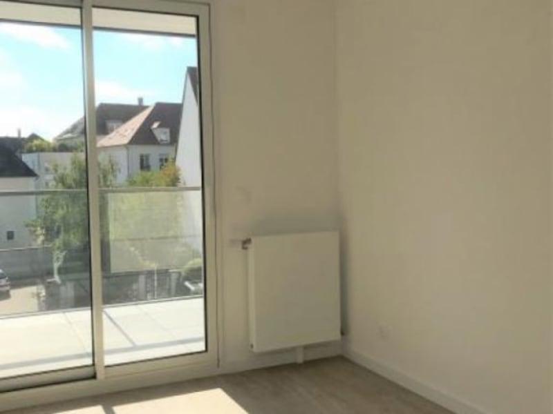 Rental apartment Montigny-le-bx 953€ CC - Picture 4