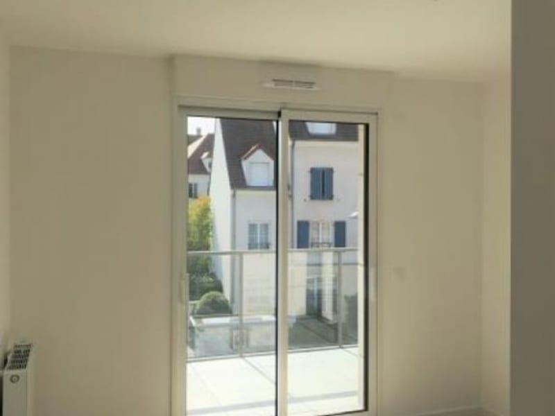Rental apartment Montigny-le-bx 953€ CC - Picture 7