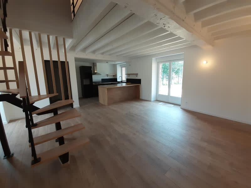 Location maison / villa Periers sur le dan 1200€ CC - Photo 3