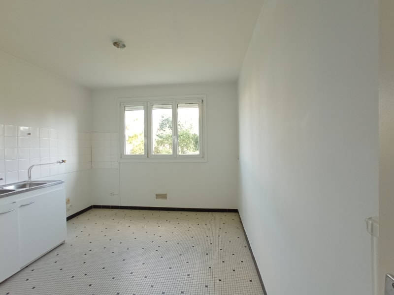 Rental apartment Nantes 608,54€ CC - Picture 5