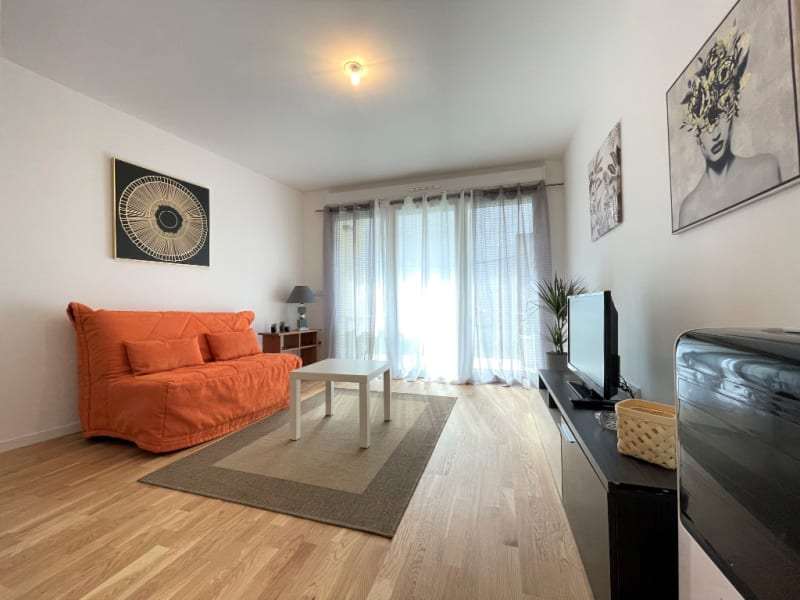 Location appartement Neuilly sur marne 845€ CC - Photo 1