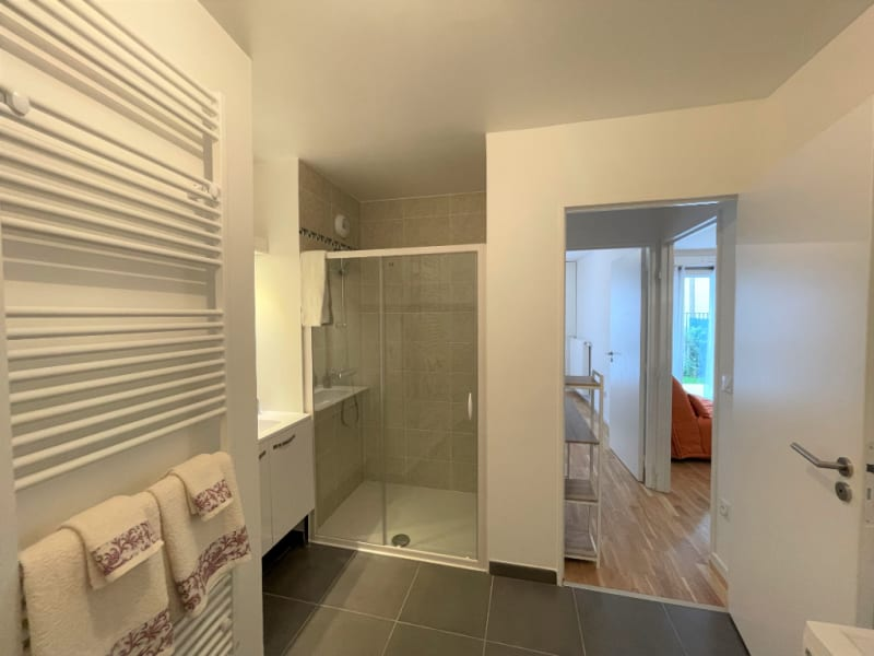 Location appartement Neuilly sur marne 845€ CC - Photo 6