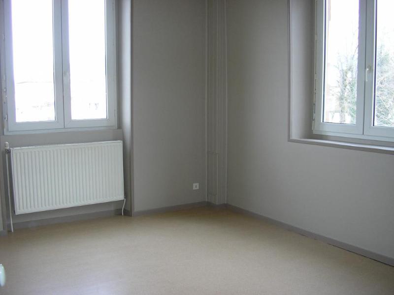 Location appartement Montreal la cluse 453€ CC - Photo 3