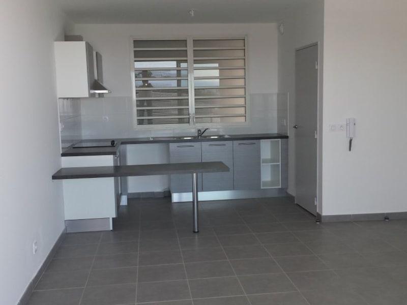 Location appartement St denis 795€ CC - Photo 2