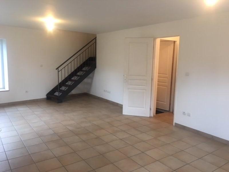 Location maison / villa Pont-de-chéruy 787€ CC - Photo 2