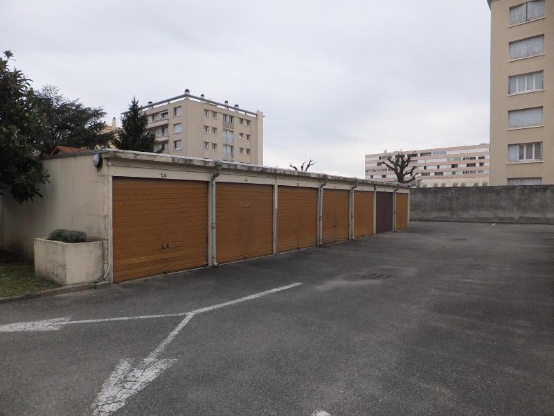 Location parking Villeurbanne 77€ CC - Photo 2