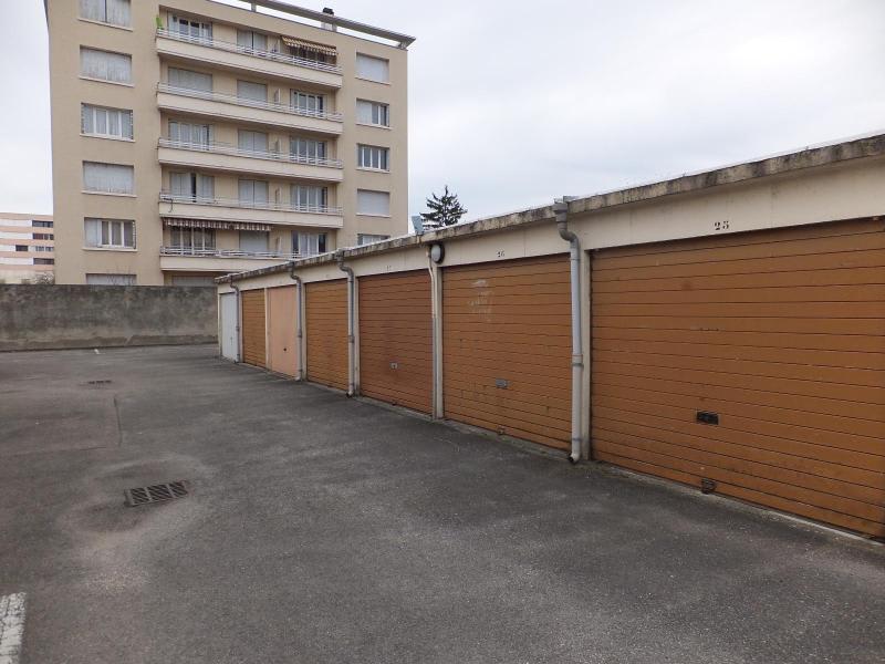 Location parking Villeurbanne 77€ CC - Photo 3