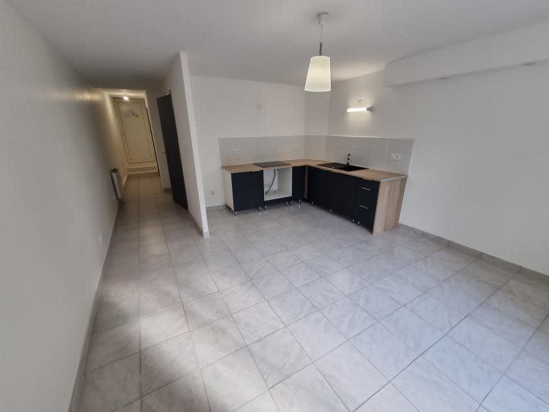 Location appartement Nantua 402€ CC - Photo 4