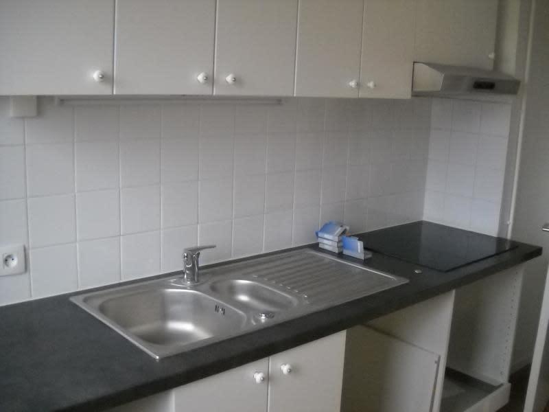 Rental apartment Paris 15ème 1804€ CC - Picture 2