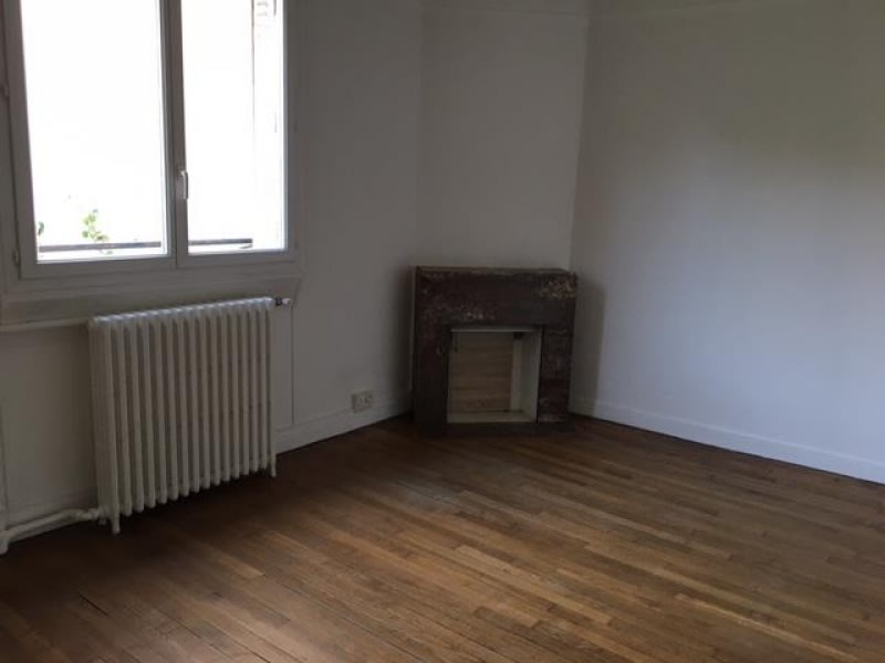 Location appartement Colombes 680€ CC - Photo 2