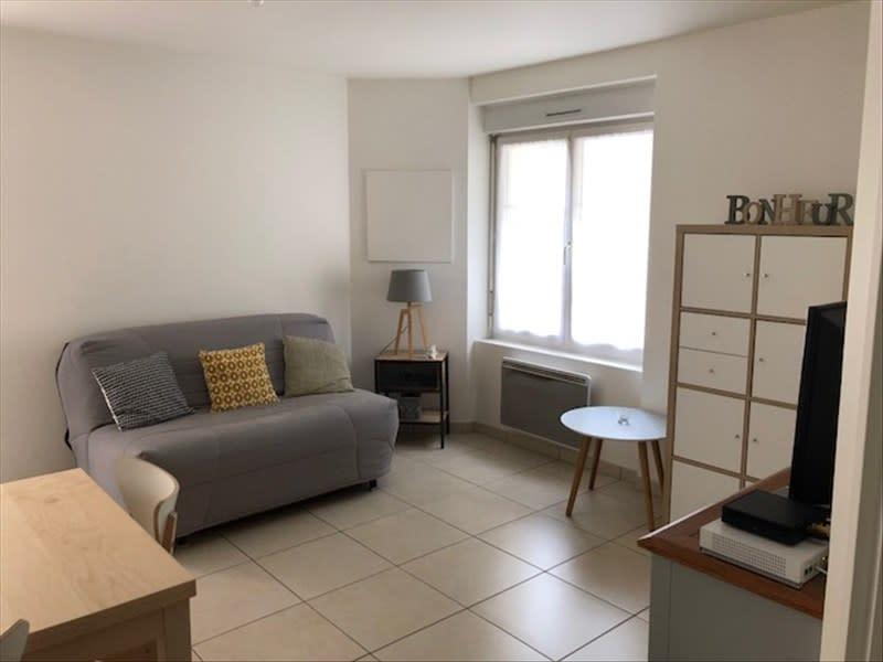 Rental apartment Verrieres le buisson 805€ CC - Picture 3