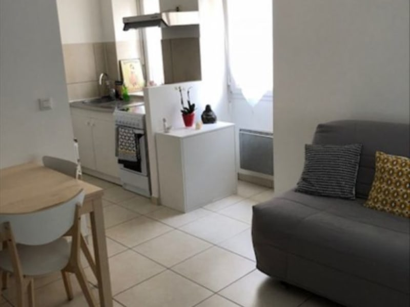 Rental apartment Verrieres le buisson 805€ CC - Picture 4
