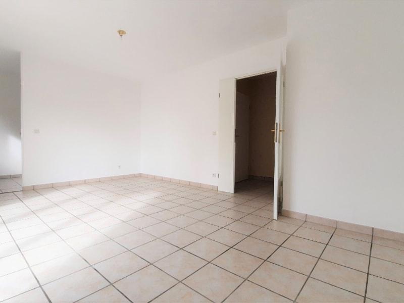 Locação apartamento Chanteloup les vignes 800,95€ CC - Fotografia 3
