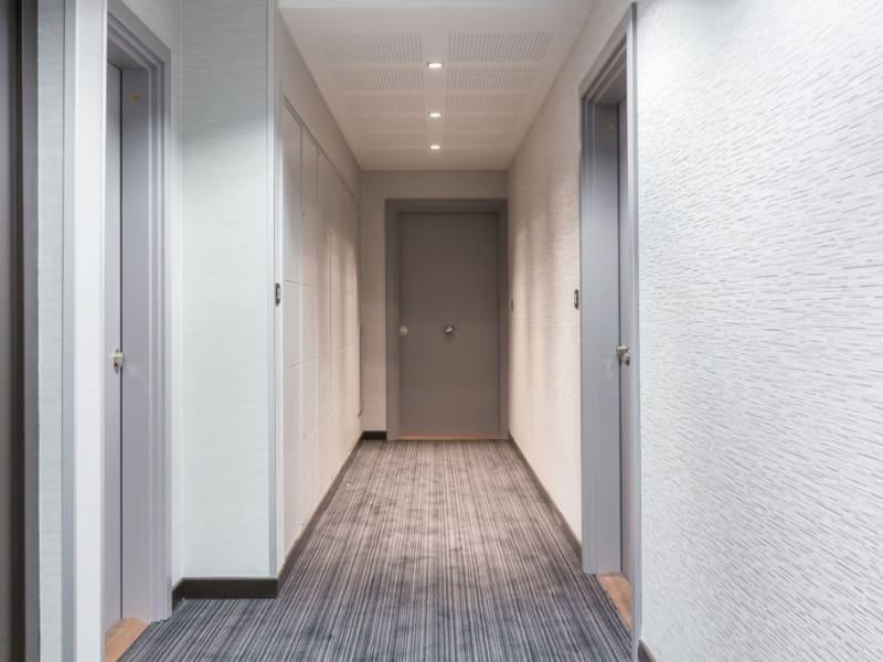 Location appartement Levallois perret 3289,68€ CC - Photo 8