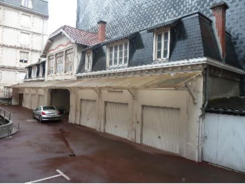 Rental parking spaces Pau 160€ CC - Picture 1