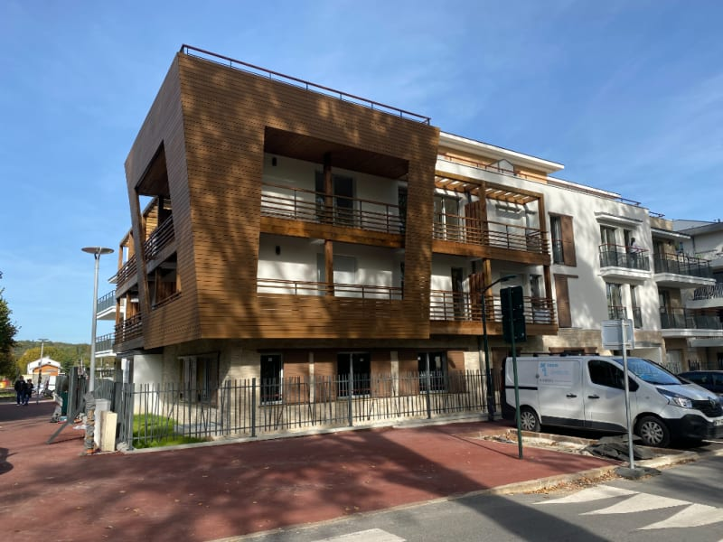 Rental apartment L isle adam 895€ CC - Picture 2