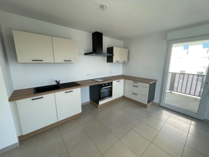 Rental apartment Rillieux la pape 840€ CC - Picture 2