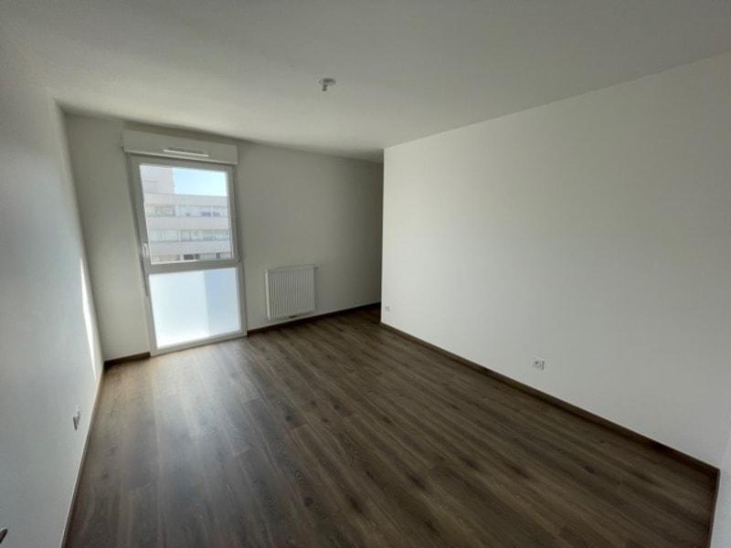 Rental apartment Rillieux la pape 840€ CC - Picture 3