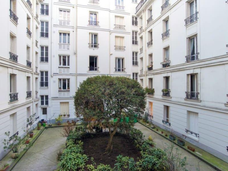 Sale apartment Paris 840000€ - Picture 7