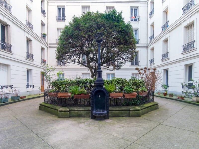 Sale apartment Paris 840000€ - Picture 9
