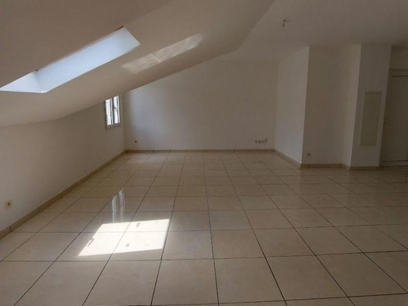 Location appartement L etang sale les hauts 594€ CC - Photo 2